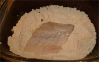 Fish fillets in flour