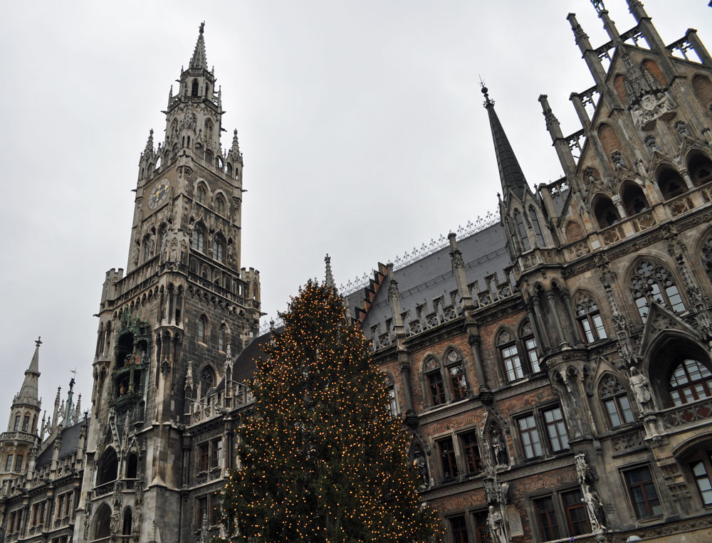 Christmas Tree at the Rathaus